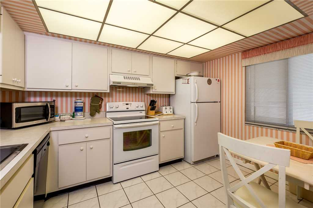 Sandarac A702 Elevator 3 Bedrooms Gulf Front Heated Pool Sleeps 6 Condo rental in Sandarac in Fort Myers Beach Florida - #9