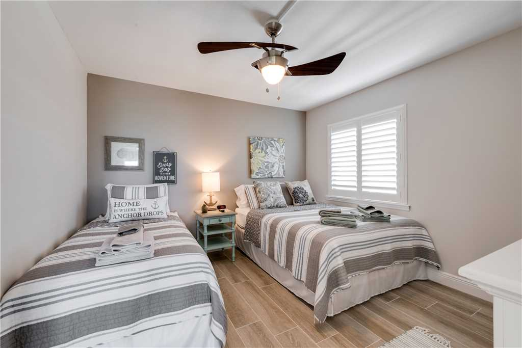 Sandarac A709 2 BedroomsSleeps 5 Gulf Front Elevator Heated Pool Condo rental in Sandarac in Fort Myers Beach Florida - #17