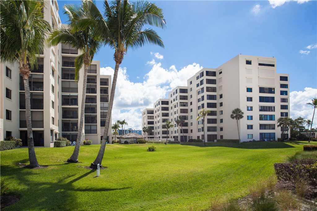Sandarac B304 2 Bedrooms Gulf Front Elevator Heated Pool Sleeps 6 Condo rental in Sandarac in Fort Myers Beach Florida - #19