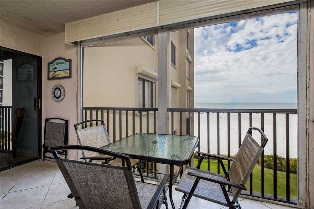 Sandarac B503 2 Bedrooms Gulf Front Elevator Pool WiFi Sleeps 4