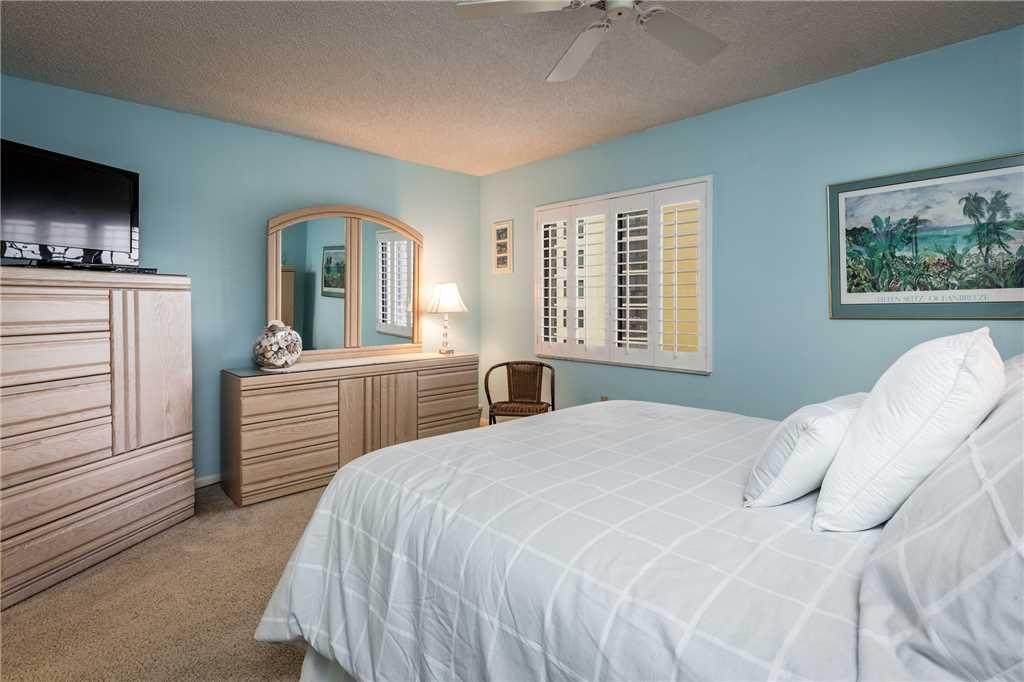 Sandarac B503 2 Bedrooms Gulf Front Elevator Pool WiFi Sleeps 4 Condo rental in Sandarac in Fort Myers Beach Florida - #12