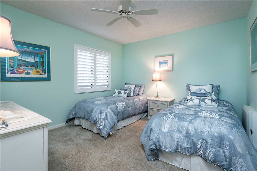 Sandarac B503 2 Bedrooms Gulf Front Elevator Pool WiFi Sleeps 4 Condo rental in Sandarac in Fort Myers Beach Florida - #14