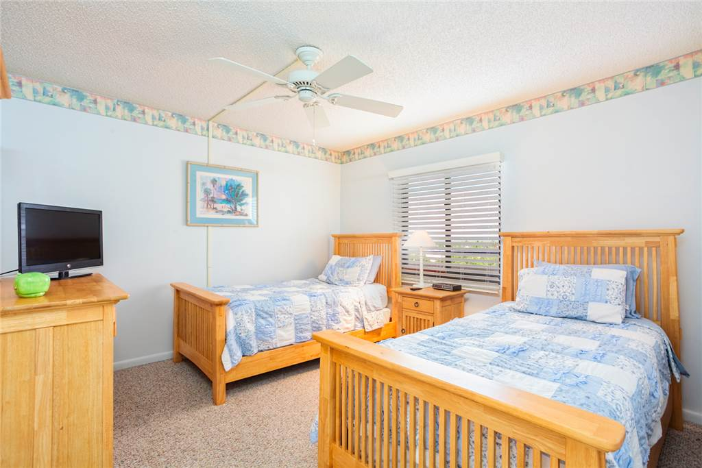 Sandarac B609 2 Bedrooms Gulf Front Elevator Heated Pool Sleeps 4 Condo rental in Sandarac in Fort Myers Beach Florida - #7