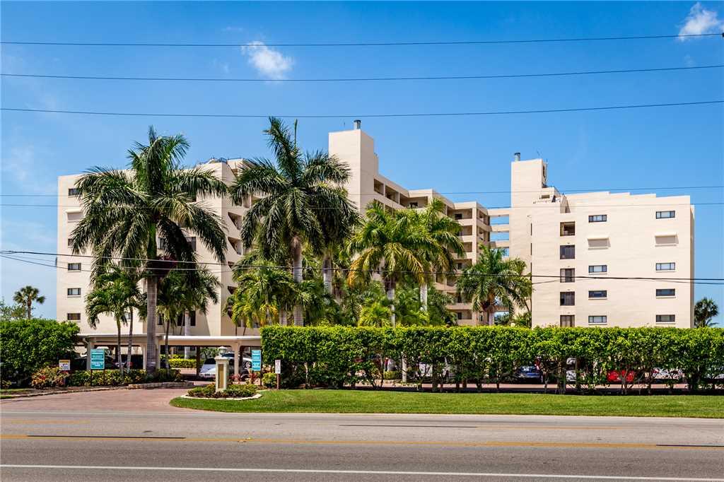 Sandarac B610 2 Bedrooms Pool Access Beach Front Sleeps 4 Condo rental in Sandarac in Fort Myers Beach Florida - #29