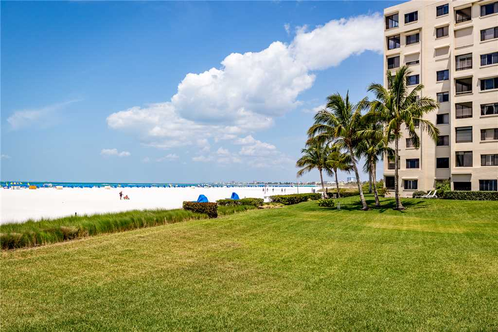 Sandarac B610 2 Bedrooms Pool Access Beach Front Sleeps 4 Condo rental in Sandarac in Fort Myers Beach Florida - #31