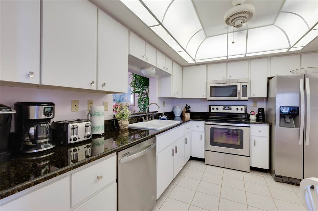 Sandarac B611 2 Bedrooms Gulf Front Elevator Heated Pool Sleeps 6 Condo rental in Sandarac in Fort Myers Beach Florida - #6