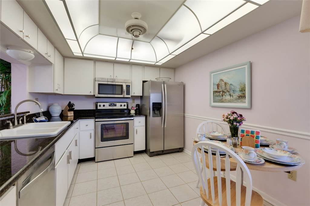 Sandarac B611 2 Bedrooms Gulf Front Elevator Heated Pool Sleeps 6 Condo rental in Sandarac in Fort Myers Beach Florida - #7
