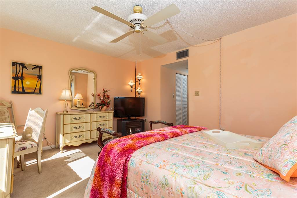 Sandarac B611 2 Bedrooms Gulf Front Elevator Heated Pool Sleeps 6 Condo rental in Sandarac in Fort Myers Beach Florida - #9