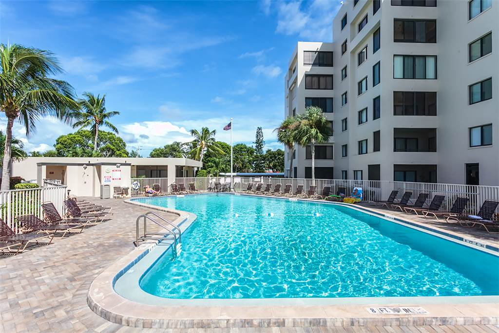 Sandarac B611 2 Bedrooms Gulf Front Elevator Heated Pool Sleeps 6 Condo rental in Sandarac in Fort Myers Beach Florida - #16