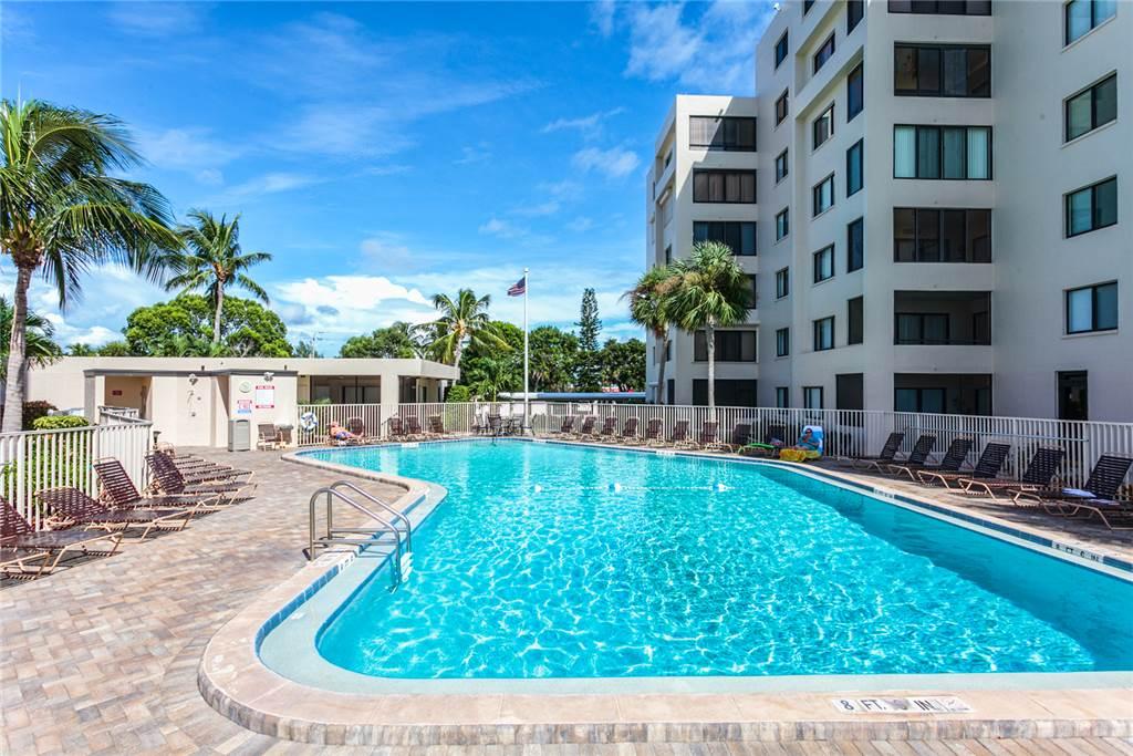 Sandarac B710 2 Bedrooms Gulf Front Elevator Heated Pool Sleeps 6 Condo rental in Sandarac in Fort Myers Beach Florida - #19