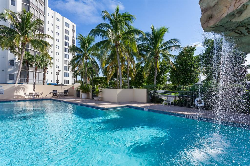 Waterside 246 3 Bedrooms 4th Floor Elevator Heated Pool Gym Sleeps 6 Condo rental in Waterside in Fort Myers Beach Florida - #2