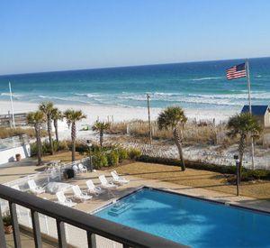 Destin-Vacation-Rentals-Breakers-East-Condominiums-8366348.jpg