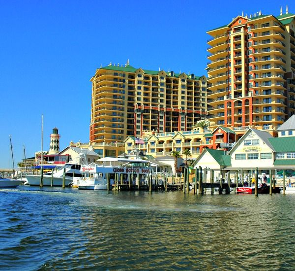 Destin-Vacation-Rentals-Emerald-Grande-8368541.jpg