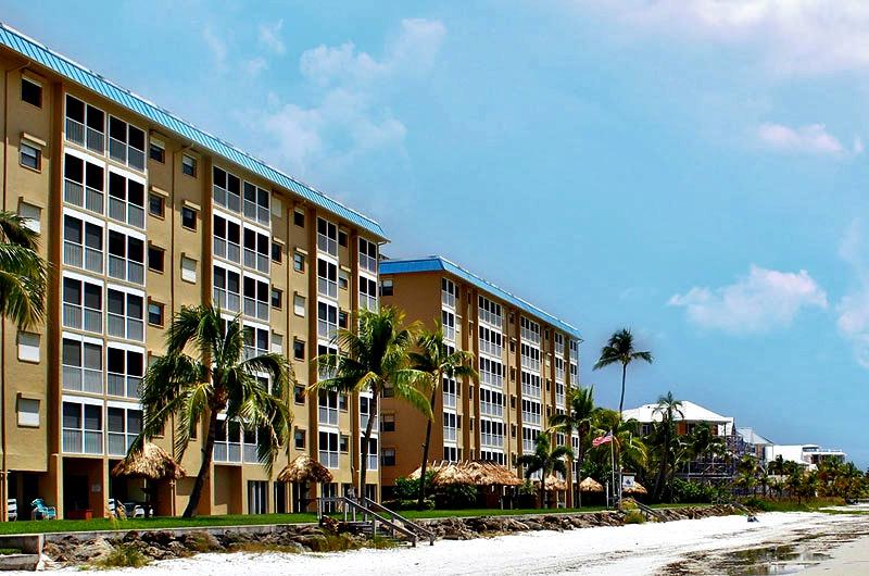 Beachfront Smuggler's Cove Condominiums in Ft. Myers Beach FL