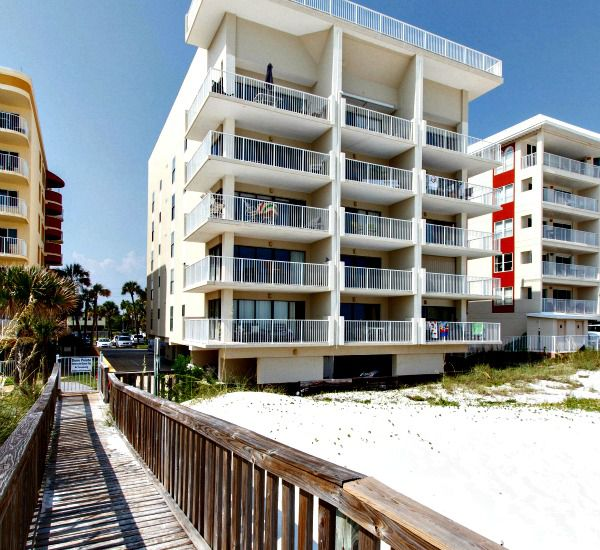 Beach-side exterior view of Gulfside Condo Fort Walton Beach