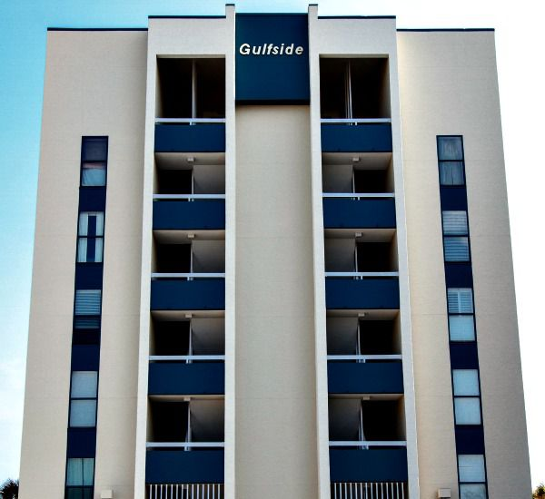 Street-side exterior view of Gulfside Condo Fort Walton Beach