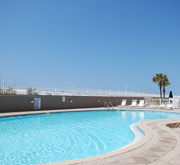 Gulf-front swimming pool at Island Princess Fort Walton