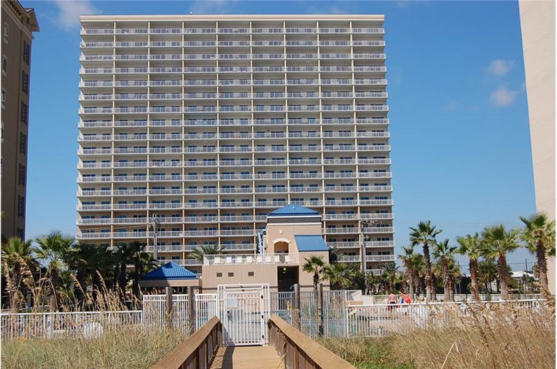 Exterior view of Crystal Towers Gulf Shores