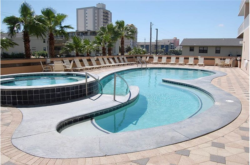 Pool and whirlpool tub at Crystal Towers Gulf Shores