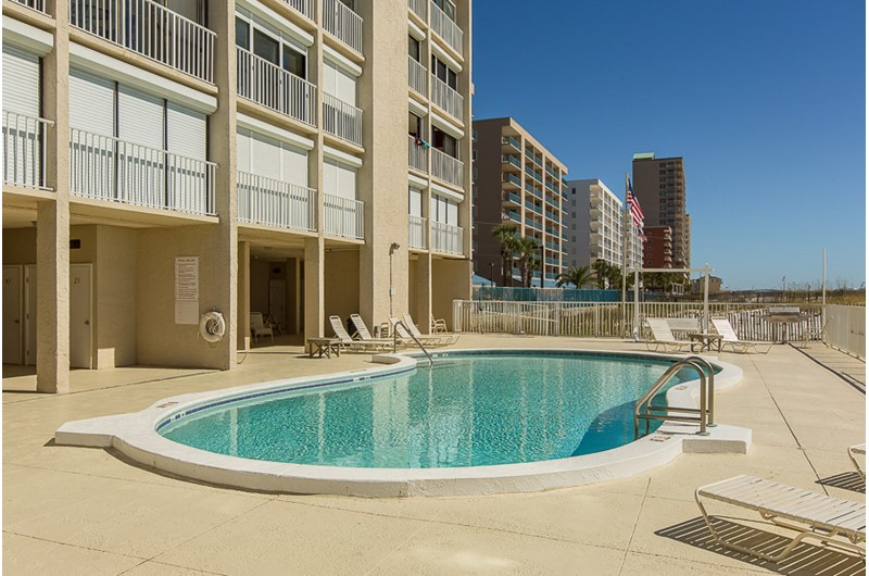 Nice pool area at Edgewater East in Gulf Shores AL