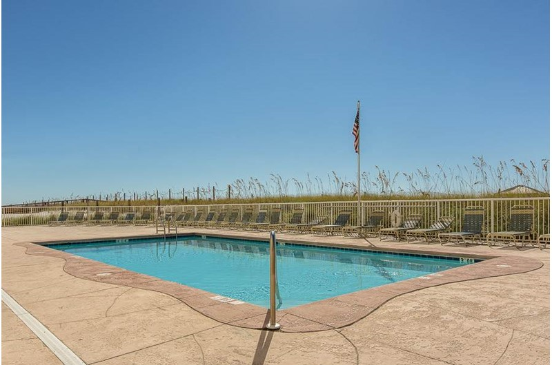 Gulf front pool at Edgewater West in Gulf Shores Alabama