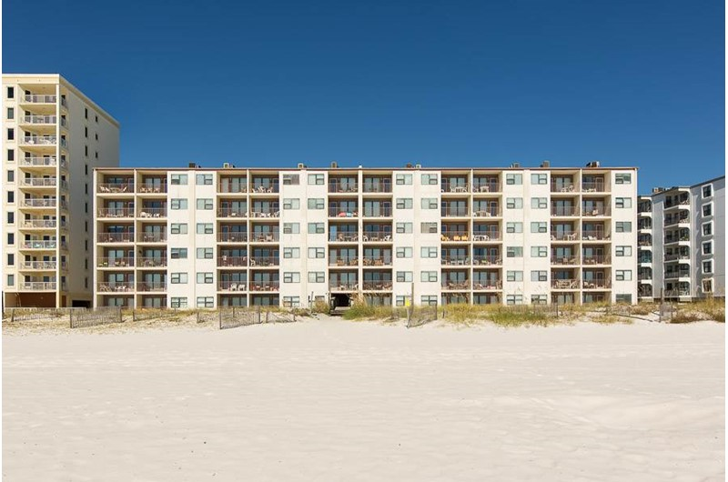 Island Shores in Gulf Shores Alabama is directly on the Gulf
