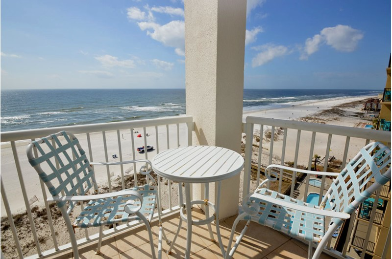 Beachfront balcony with panoramic view of the Gulf at Island Tower Gulf Shores
