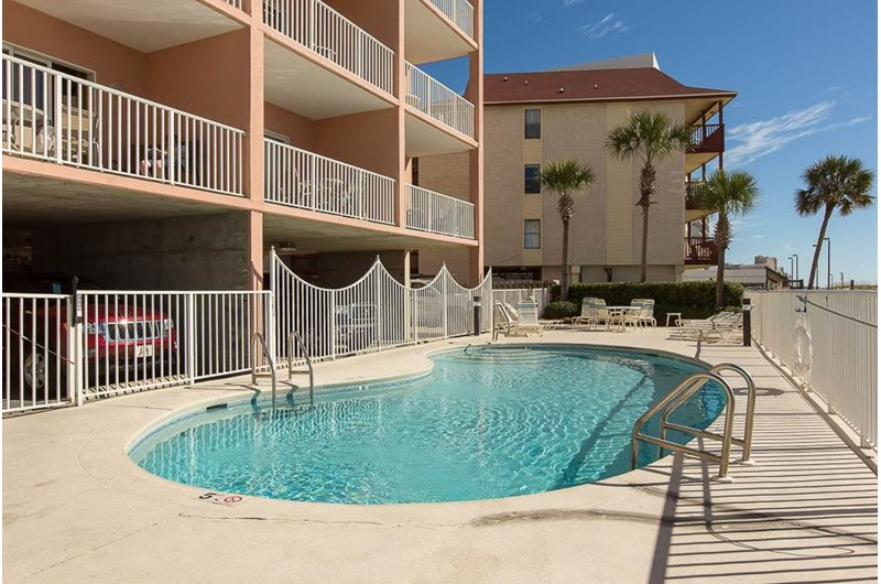 Lovely pool at Tropic Isle in Gulf Shores Alabama