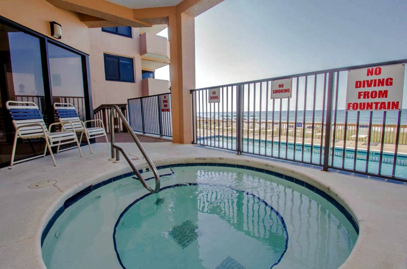 Outdoor Hot Tub at Broadmoor in Orange Beach AL