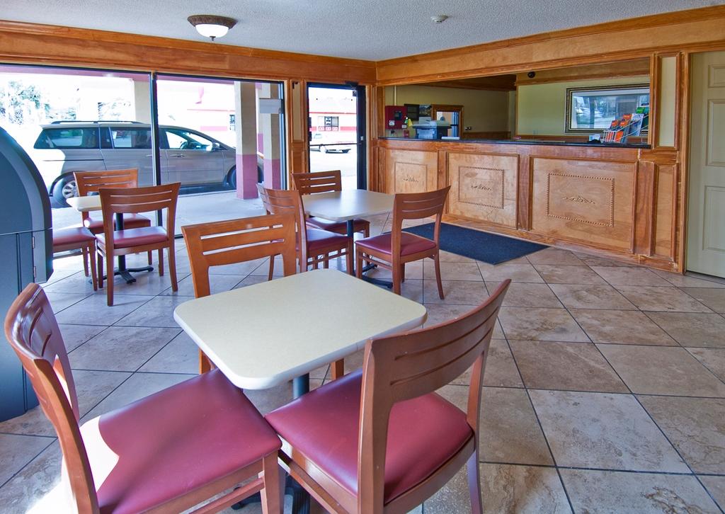 Americas Best Value Inn in Pensacola FL 19