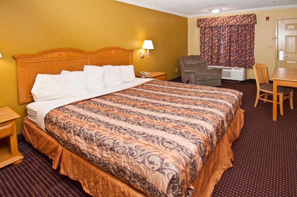 Americas Best Value Inn in Pensacola FL 20