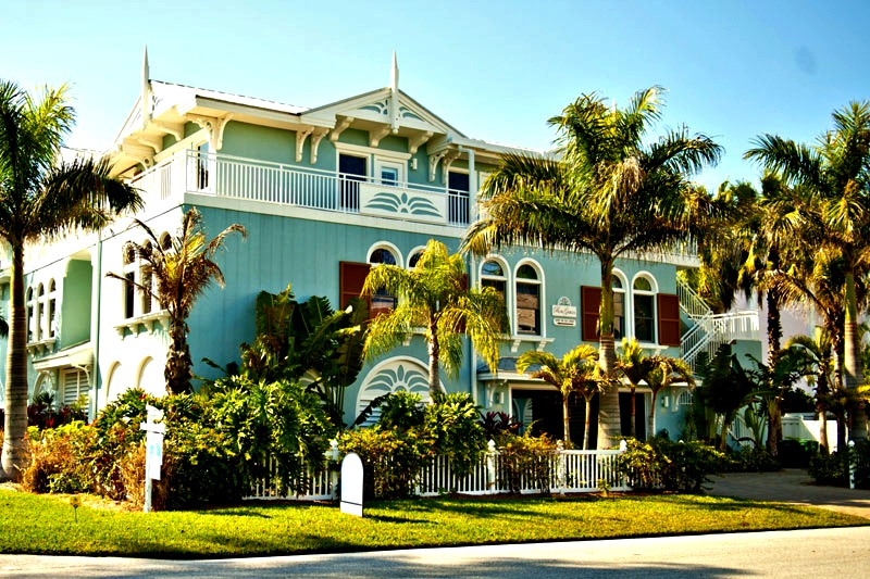 Beautiful Palm Gables in Anna Maria Island FL