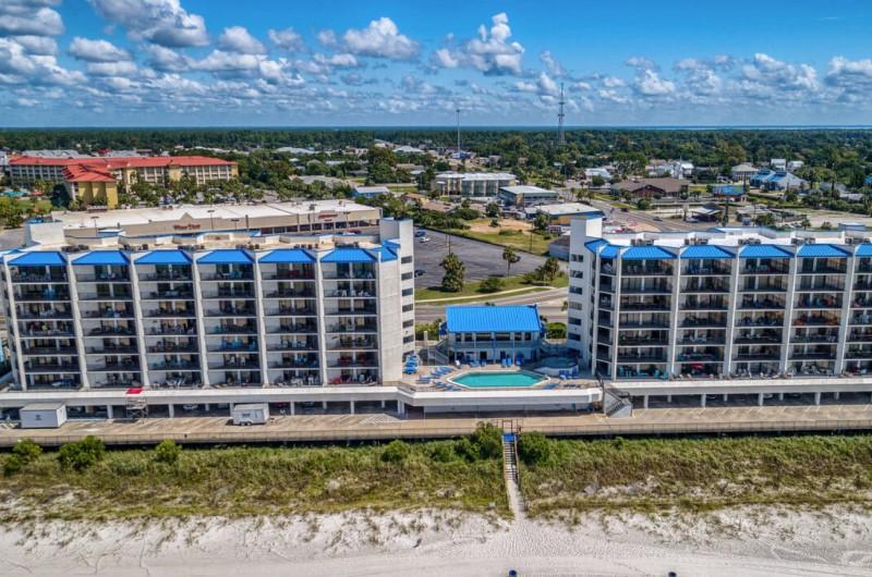 Waterfront Aqua Vista Resort in PCB