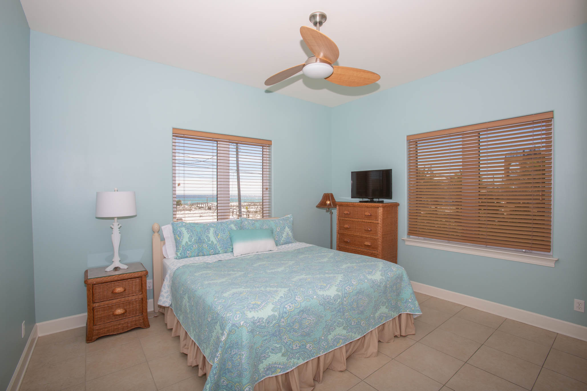 Ariola 1101 House / Cottage rental in Pensacola Beach House Rentals in Pensacola Beach Florida - #34