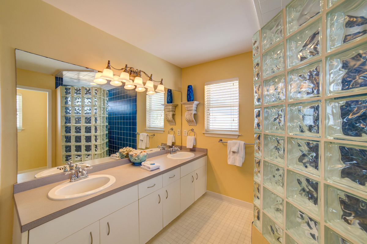 Ariola 1303 - Seashell Chateau House/Cottage rental in Pensacola Beach House Rentals in Pensacola Beach Florida - #15