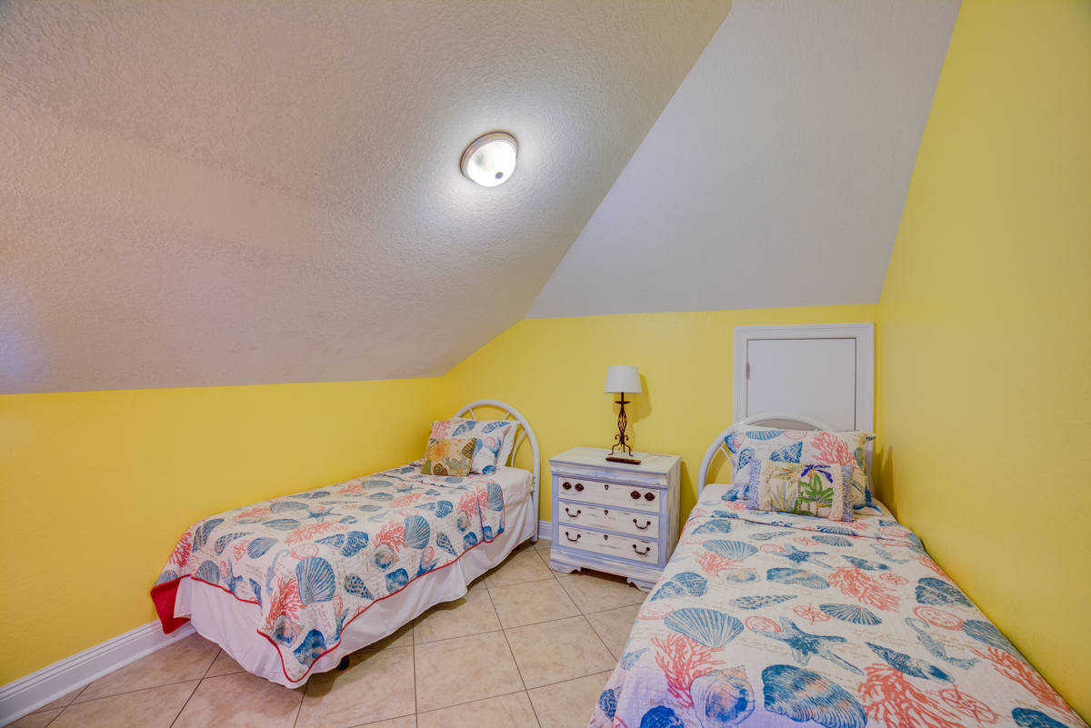 Ariola 1311 - The Dolphin House House / Cottage rental in Pensacola Beach House Rentals in Pensacola Beach Florida - #67
