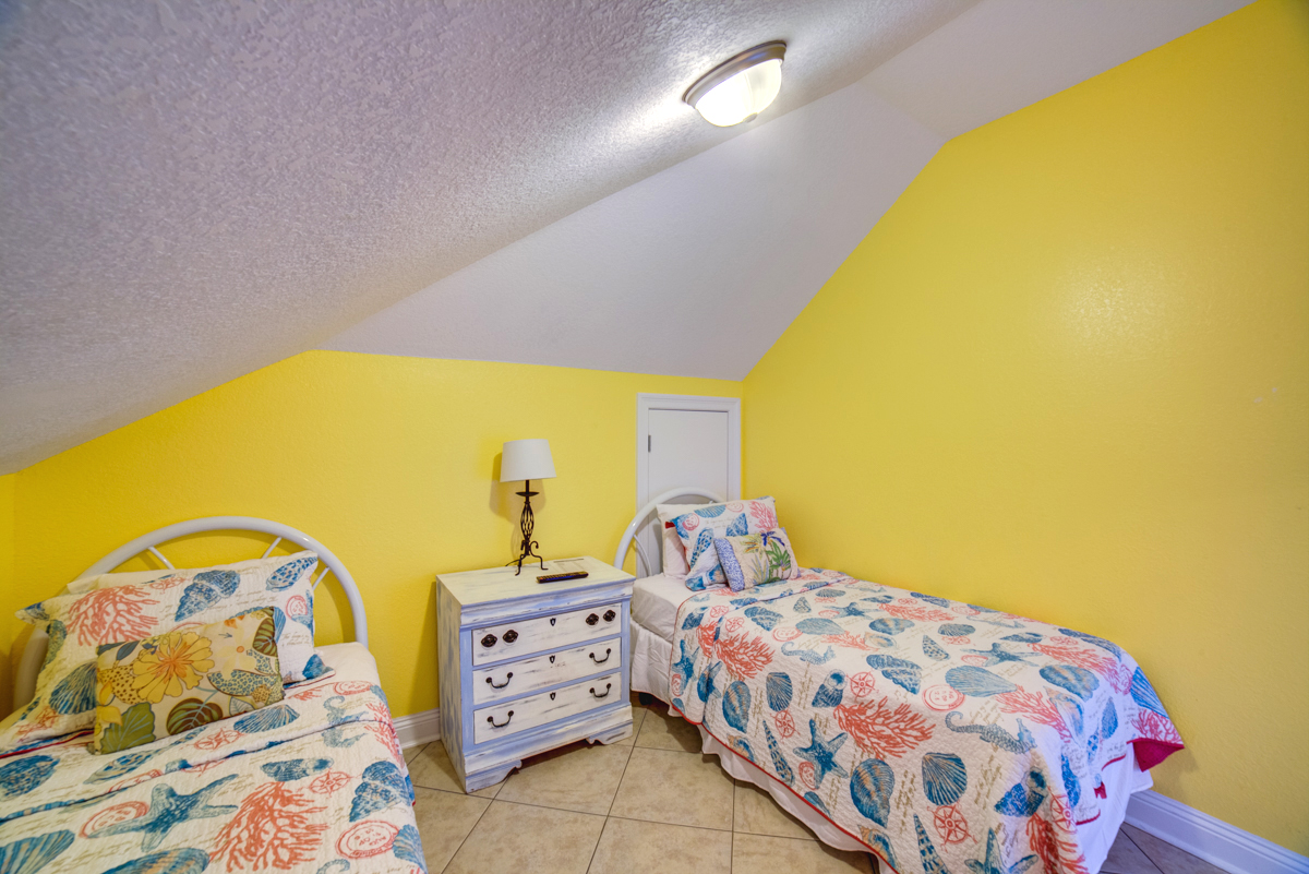 Ariola 1311 - The Dolphin House House / Cottage rental in Pensacola Beach House Rentals in Pensacola Beach Florida - #68