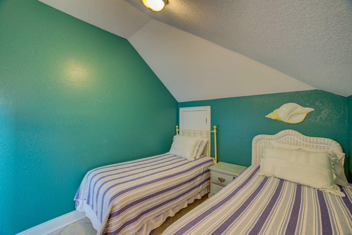 Ariola 1311 - The Dolphin House House / Cottage rental in Pensacola Beach House Rentals in Pensacola Beach Florida - #76