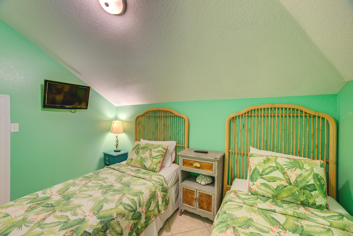 Ariola 1311 - The Dolphin House House / Cottage rental in Pensacola Beach House Rentals in Pensacola Beach Florida - #79