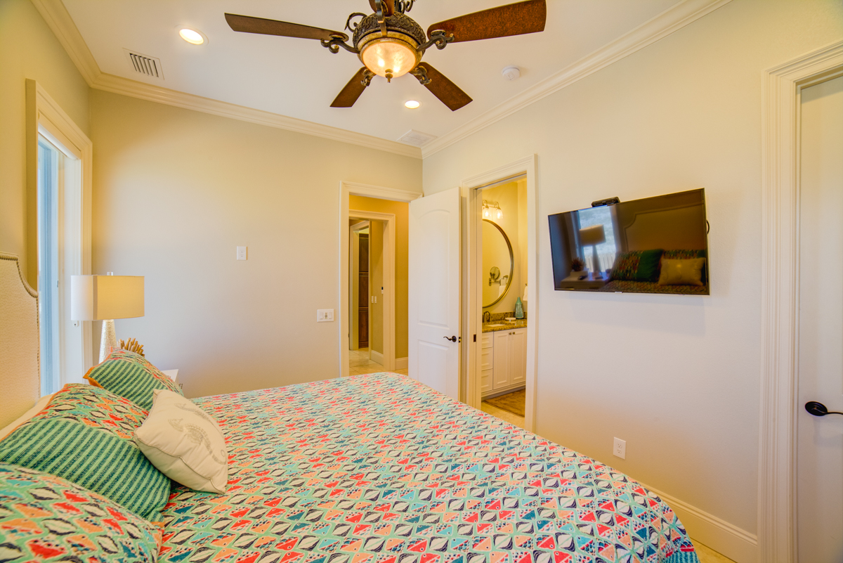 Ariola 905 House / Cottage rental in Pensacola Beach House Rentals in Pensacola Beach Florida - #40