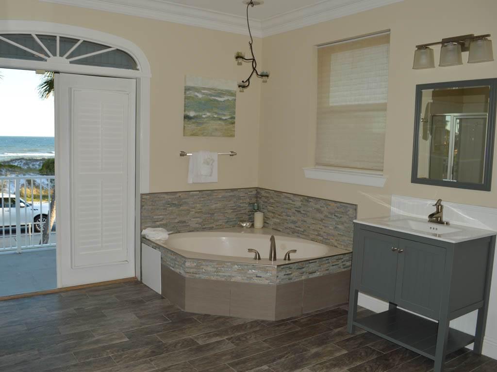 Beach Castle House/Cottage rental in Destin Beach House Rentals in Destin Florida - #9