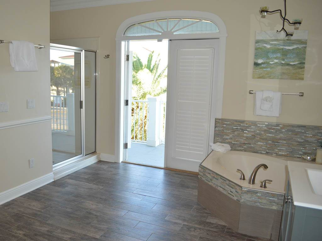 Beach Castle House/Cottage rental in Destin Beach House Rentals in Destin Florida - #10