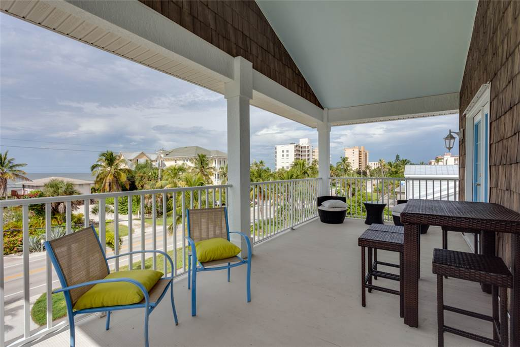 Bonita Beauty 4 Bedrooms Gulf & Bay Views Elevator Sleeps 10 House / Cottage rental in Bonita Springs Beach House Rentals in Bonita Springs Florida - #24