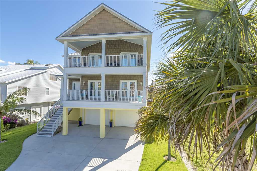 Bonita Beauty 4 Bedrooms Gulf & Bay Views Elevator Sleeps 10 House / Cottage rental in Bonita Springs Beach House Rentals in Bonita Springs Florida - #25