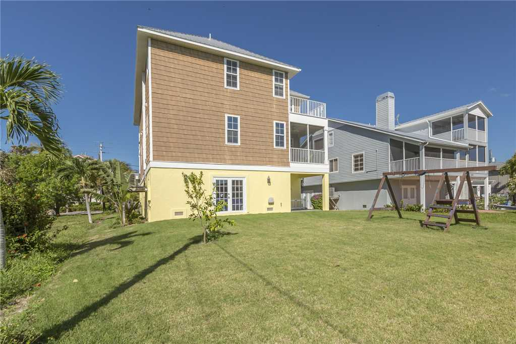 Bonita Beauty 4 Bedrooms Gulf & Bay Views Elevator Sleeps 10 House / Cottage rental in Bonita Springs Beach House Rentals in Bonita Springs Florida - #26