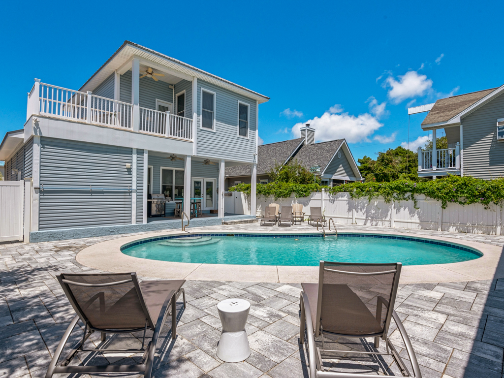 Captain Morgan's - Crystal Beach Subdivision House / Cottage rental in Destin Beach House Rentals in Destin Florida - #1