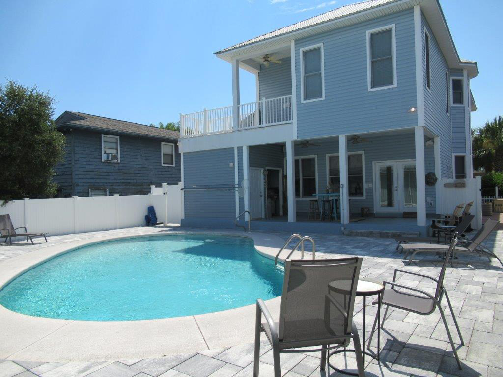 Captain Morgan's - Crystal Beach Subdivision House / Cottage rental in Destin Beach House Rentals in Destin Florida - #37