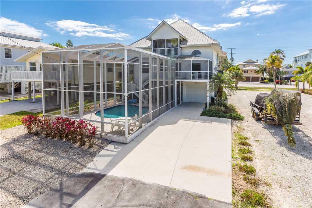Dreamscape Upper Unit 4 Bedrooms Screened in Pool Sleeps 9 House/Cottage rental in Bonita Springs Beach House Rentals in Bonita Springs Florida - #3