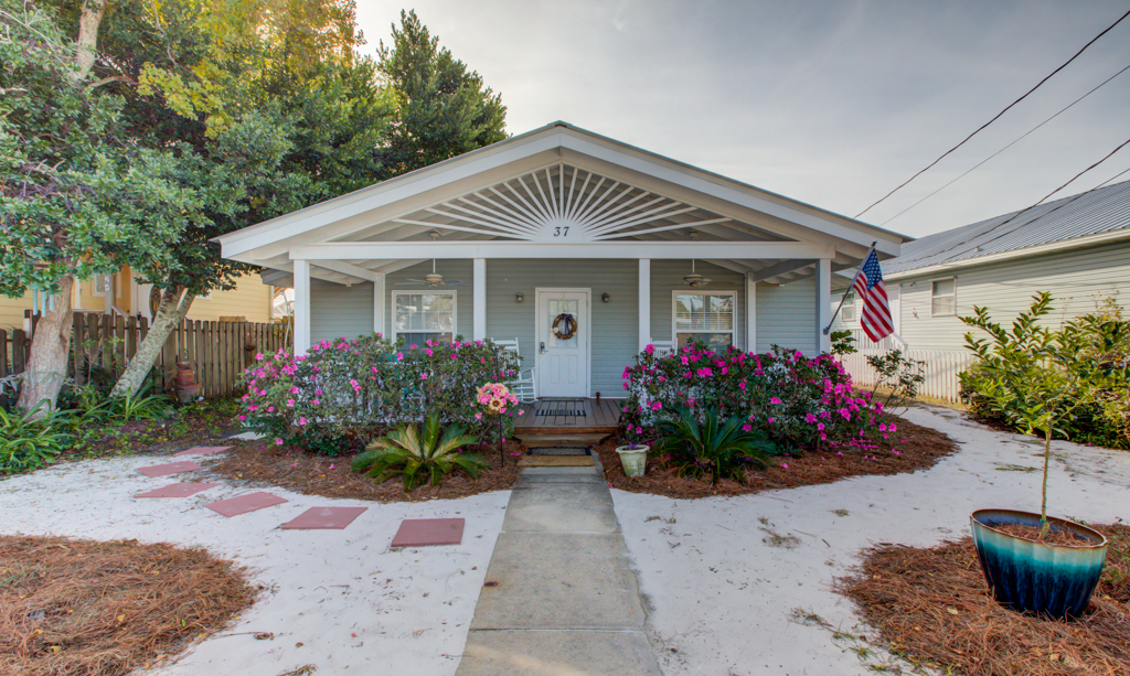 Garden Castle By the Gulf House / Cottage rental in Destin Beach House Rentals in Destin Florida - #1