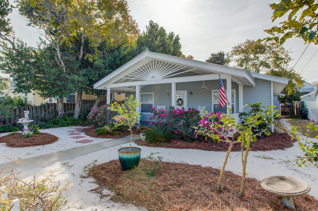 Garden Castle By the Gulf House / Cottage rental in Destin Beach House Rentals in Destin Florida - #2